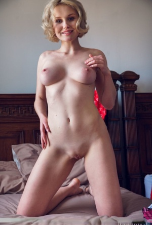 Shaved Pussy Sex Pics